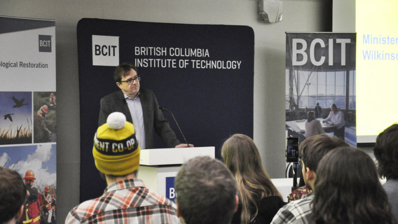 Minister Wilkinson visits students at the BC Institute of Technology as a part of his #OceansCampus Tour