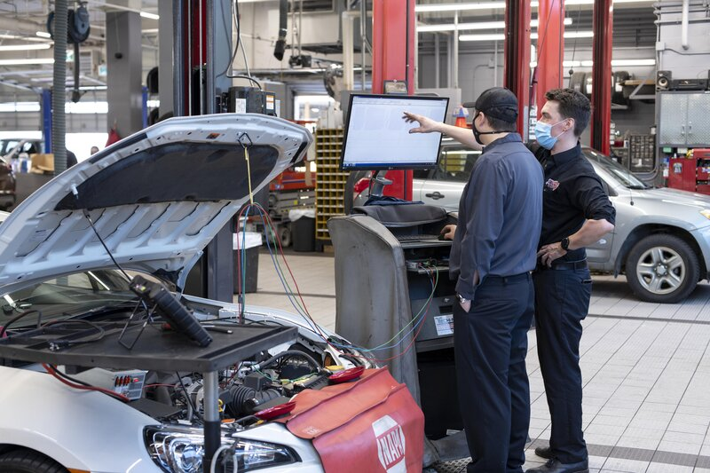 BCIT and Canadian Tire partner to deliver customized automotive apprenticeship training